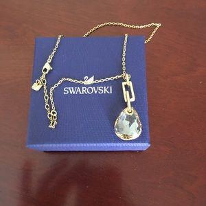 Swarovski   Necklace NEW with box